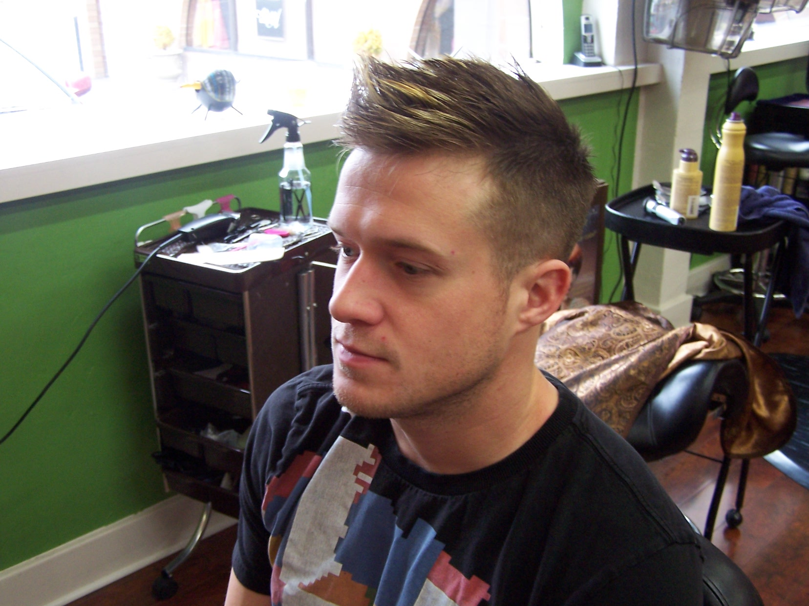 Fade Haircuts for Men with Highlights